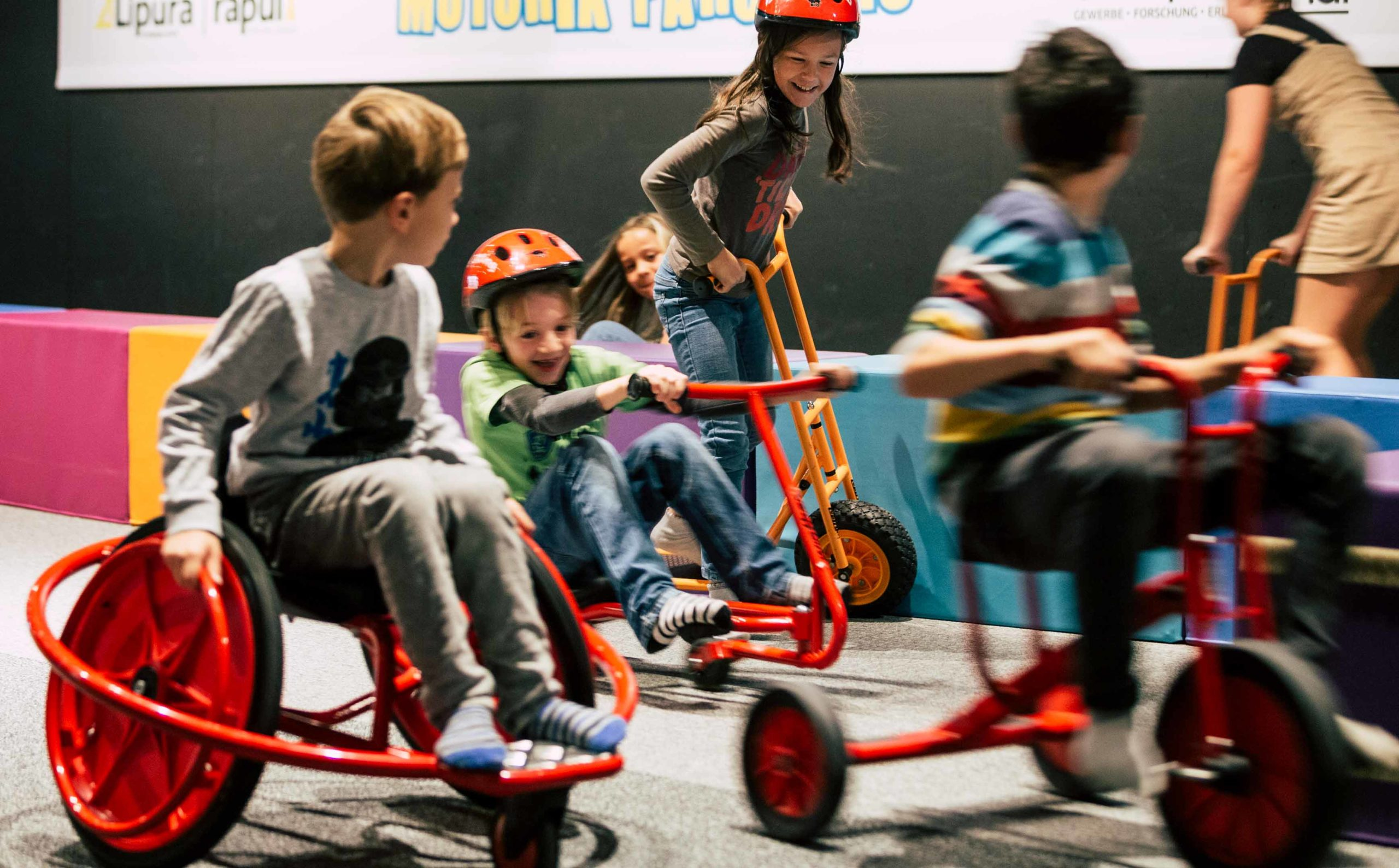 Indoor Motorik Parcours Kinder