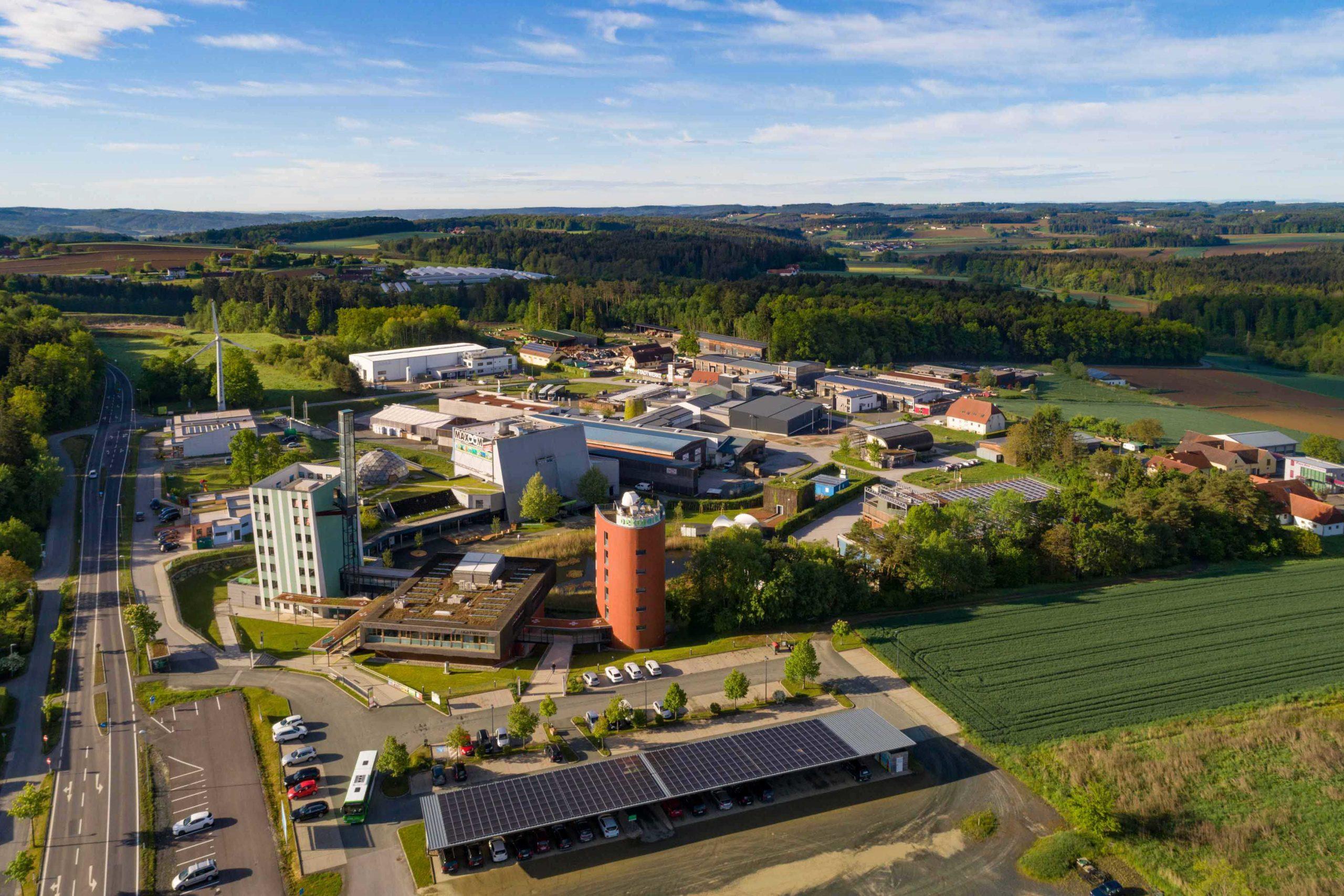 Luftbild Ökopark Hartberg Blickrichtung Stadtauswärts