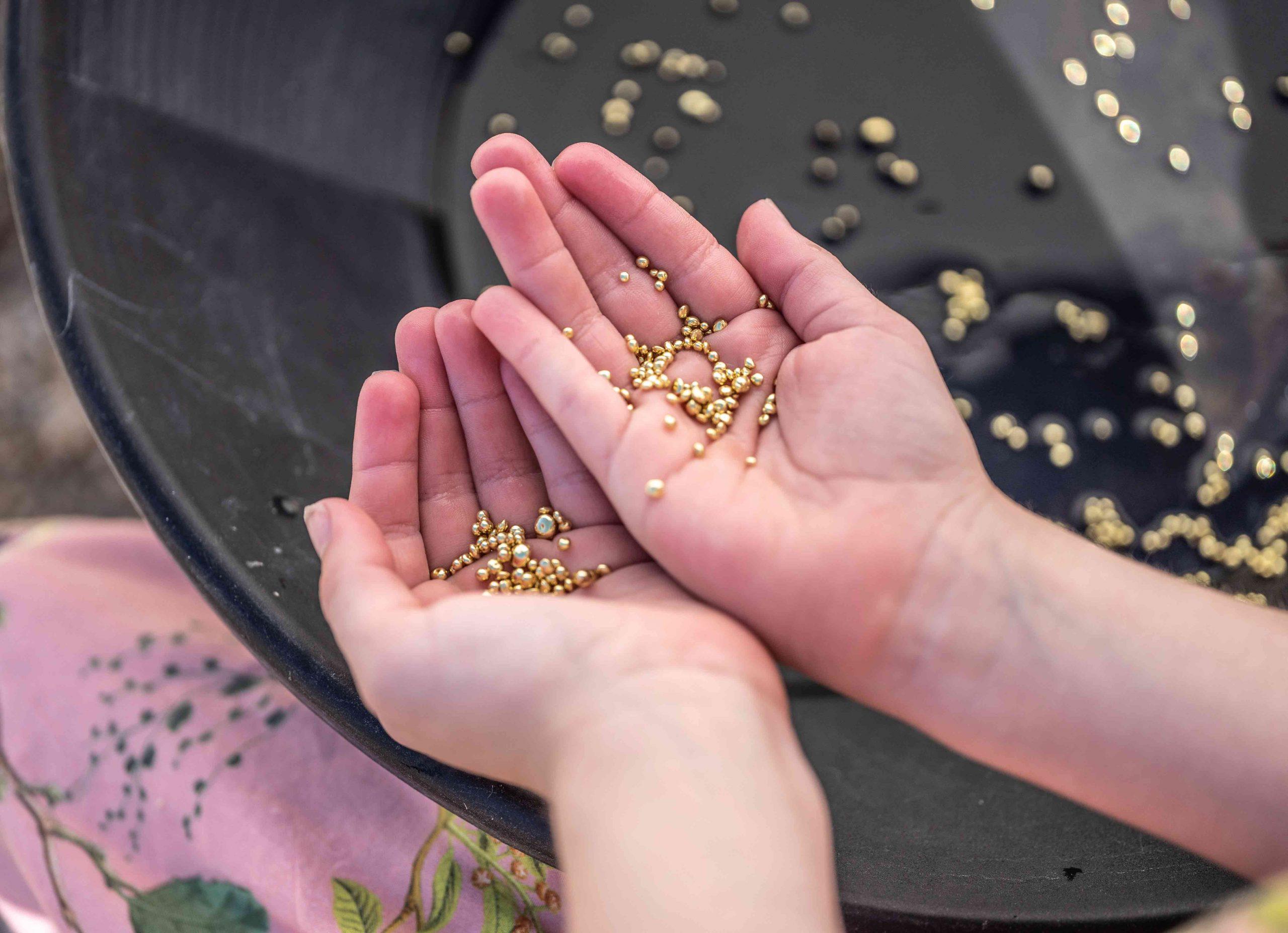Goldwaschen in der Mineralienwelt