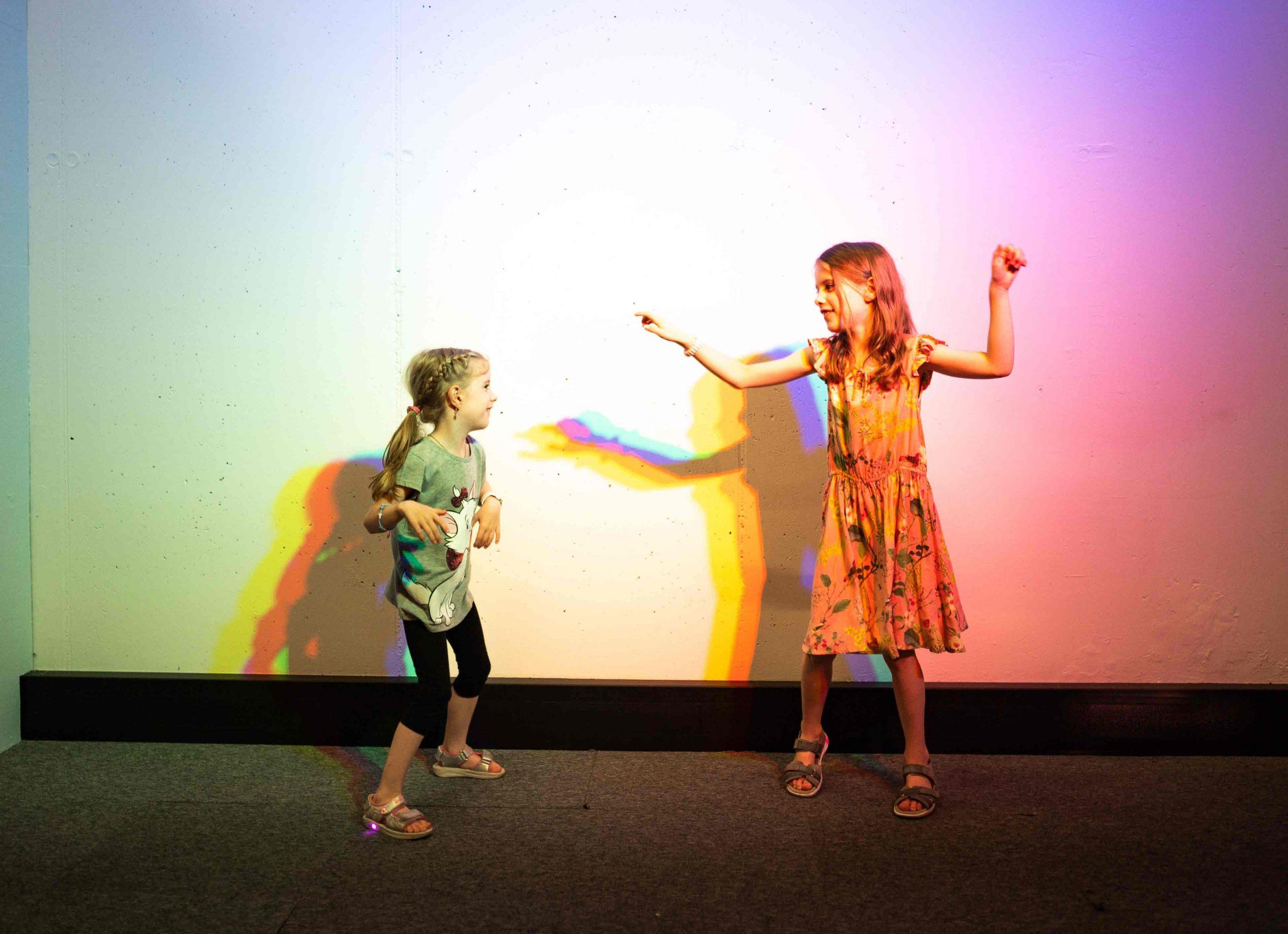 Kinder tanzen Experimentarium Bewegungsreich