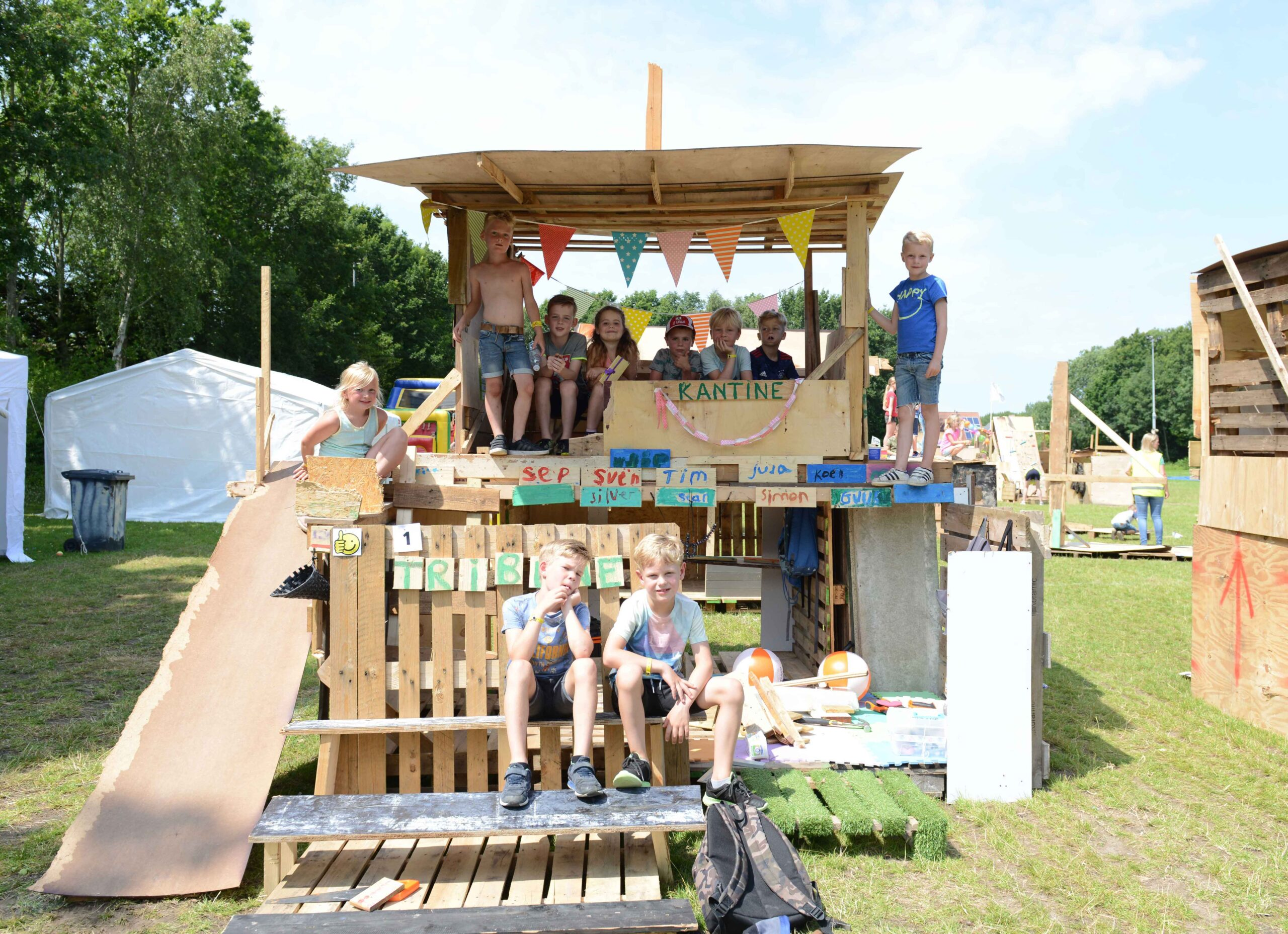 Minecraft for Real - Kinder bauen Haus am Oekopark